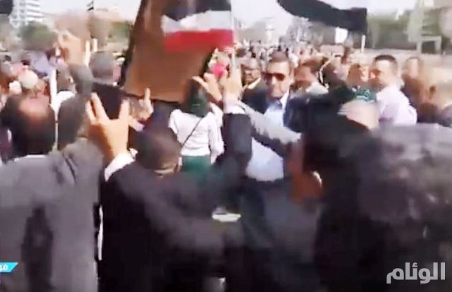 معلمو مصر يرقصون دعماً للسيسي