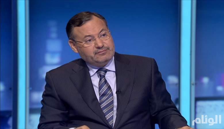 أحمد منصور يحظر الآف المتابعين بعد كشف فضائحه