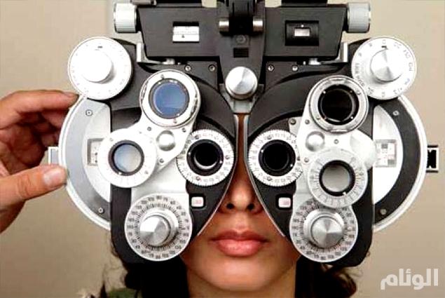 دراسة: العين تتنبأ بأمراض القلب