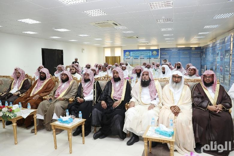 شاهد: الشيخ الشليل يلتقي أعضاء هيئة الدوادمي