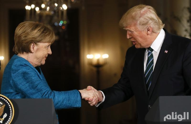 """""""ترامب"""" و"""" ميركل"""" : علينا منع إيران من امتلاك السلاح النووي"""