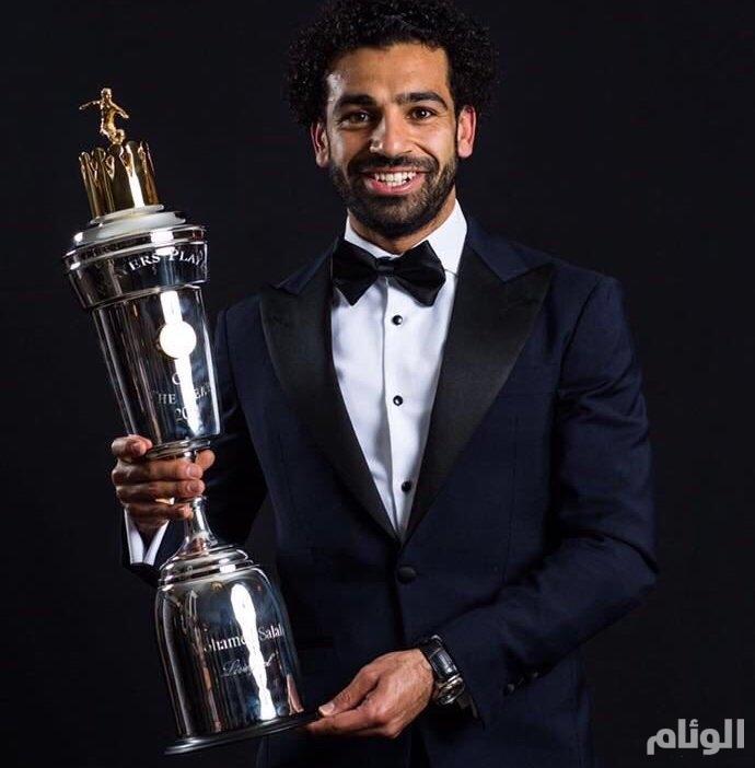 «السيسي» يهنئ اللاعب محمد صلاح
