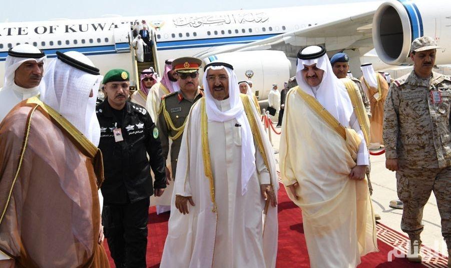 شاهد: أمير الكويت يصل الشرقية للمشاركة بالقمة العربية