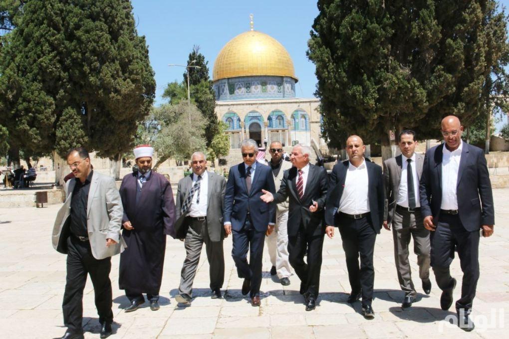 شاهد: سلمان بن إبراهيم يزور القدس ويدشن ملاعب الإتحاد الآسيوي