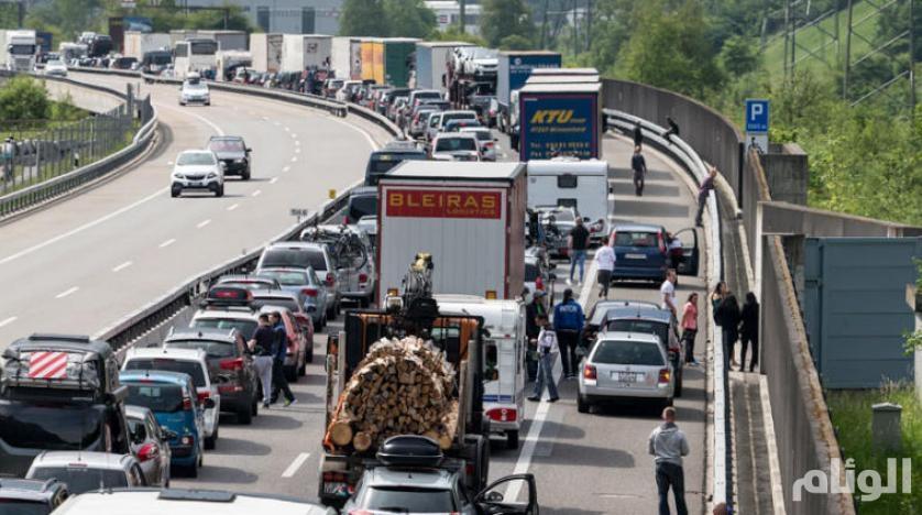 حريق يتسبب في أكبر أزمة مرورية في سويسرا منذ 19 عاما