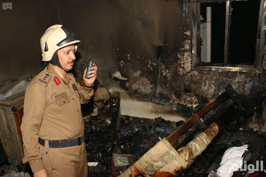 شاهد .. مدني مكة يباشر حريقا في أحد الفنادق بشارع إبراهيم الخليل