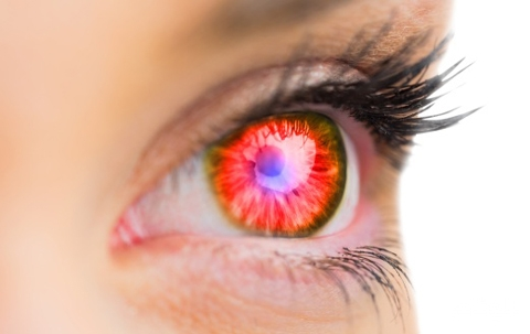 كيف تتجنب ظهور العين الحمراء أثناء التصوير؟