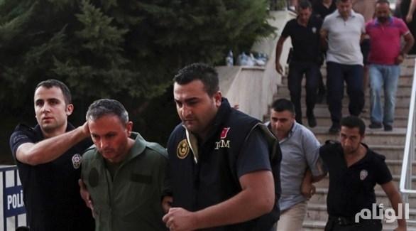 اعتقال العشرات من ضباط القوات الجوية التركية
