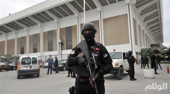 تونس: القبض على ألمانية وابنتيها في المطار