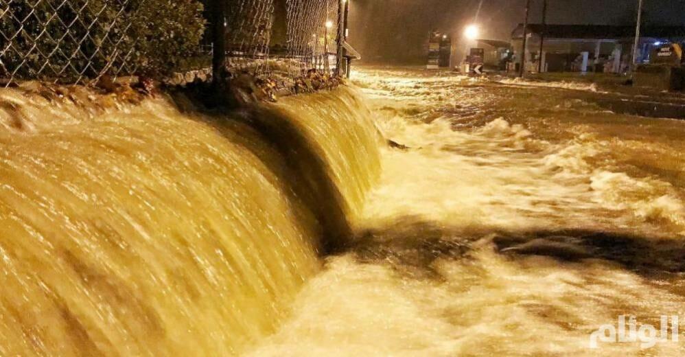 شاهد: فيضانات مفاجئة تتسبب بدمار واسع في تسمانيا الأسترالية