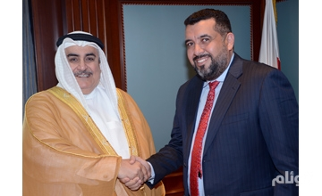 وزير خارجية البحرين يستقبل الإعلامي محمد العرب
