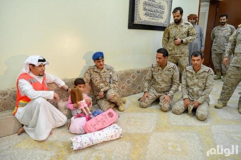 الهلال الأحمر السعودي يشارك في عملية تسليم الطفلة اليمنية إلى أهلها