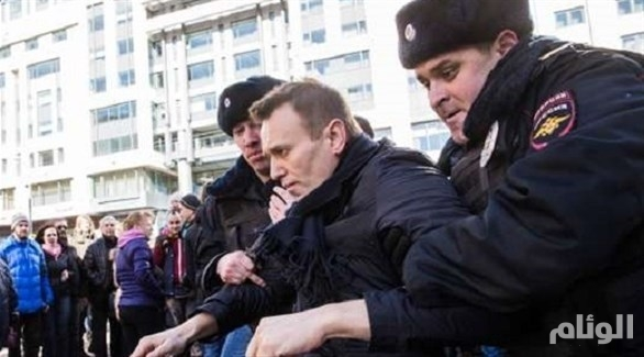 روسيا: احتجاز زعيم المعارضة ومئات الناشطين