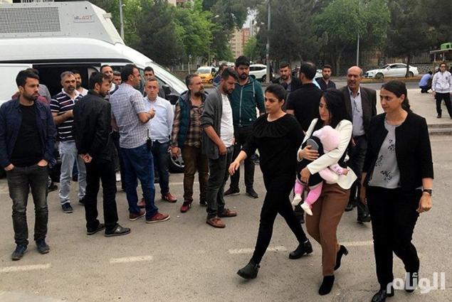 واقعة مؤلمة لـ«معلمة» في السجون التركية