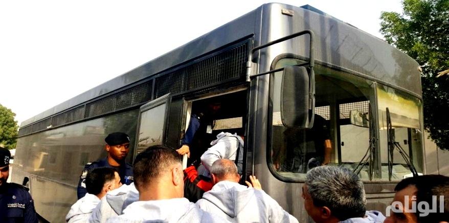 السلطات الكويتية تسلم إيران «28» سجينًا