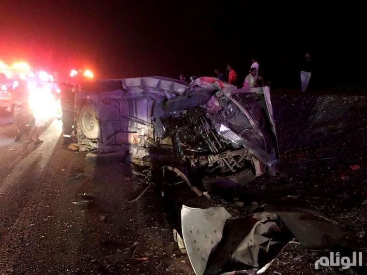 شاهد: حادث شنيع يخلف وفاة واصابتين بالمخواه