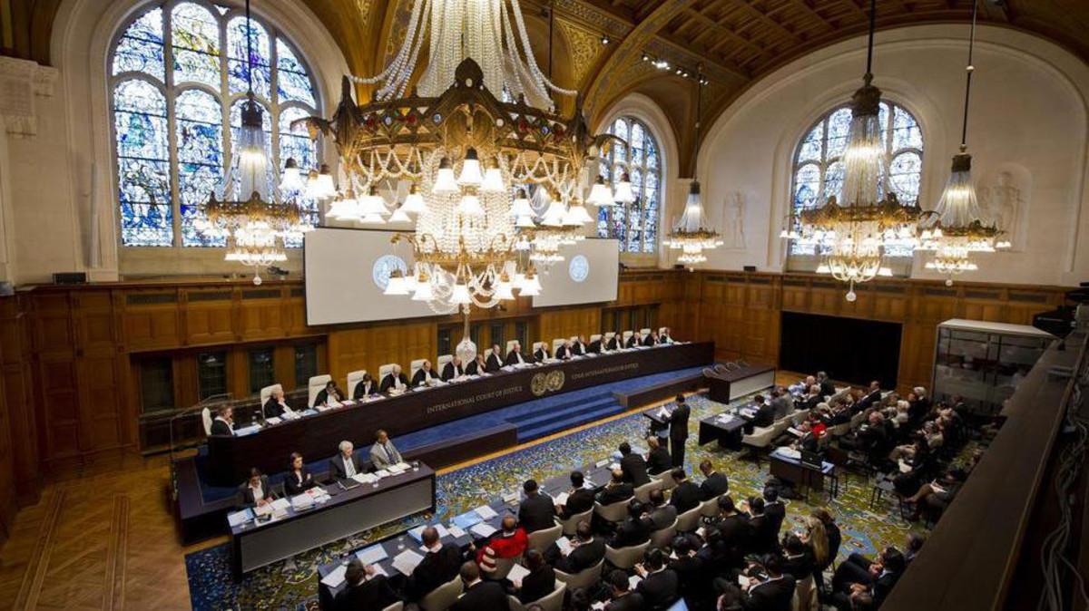 السفير الإماراتي في هولندا : حل الأزمة القطرية في الرياض وليس في محكمة العدل الدولية