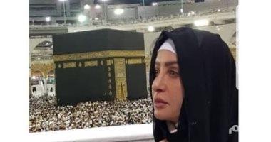 الفنانة لطيفة تنشر صورا لها من الحرم المكي بعد أدائها العمرة قبل أيام
