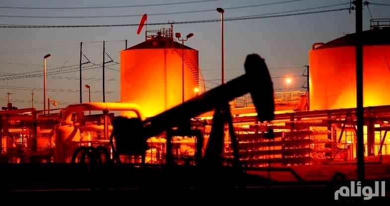 النفط يرتفع بفعل توقعات انخفاض المخزونات