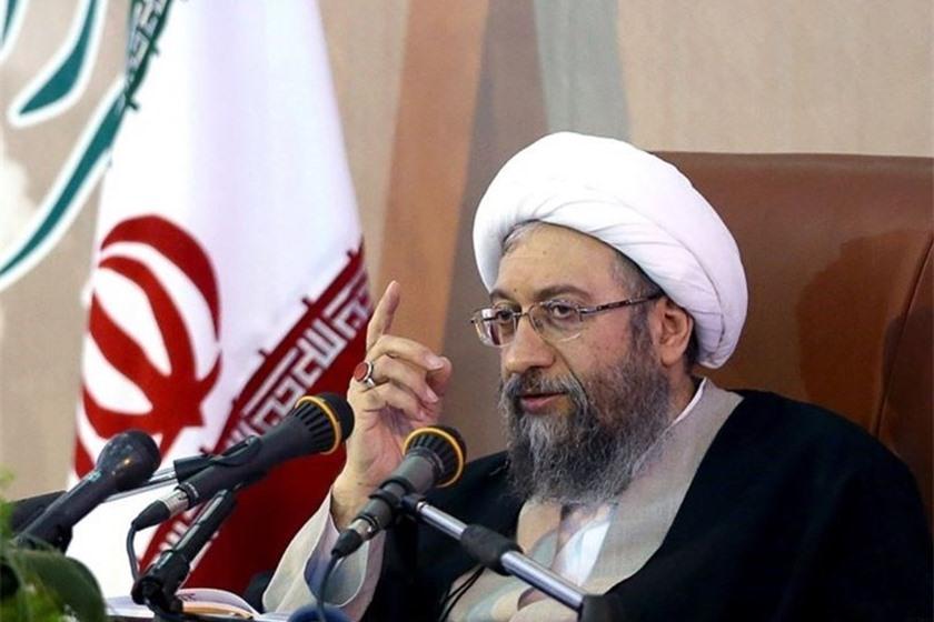 إيران: رئيس السلطة القضائية يهدّد المحتجين بالإعدام