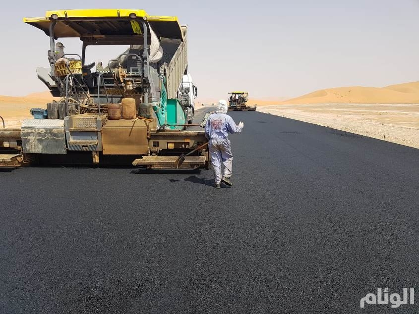 بالصور: قرب الإنتهاء من تنفيذ طريق المنفذ الحدودي المؤدي لسلطنة عمان