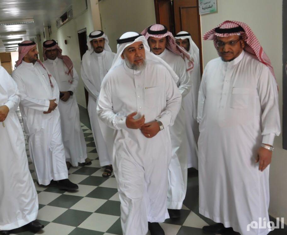 بالصور: «اللهيبي» يباشر مهام عمله كمديراً لتعليم الطائف