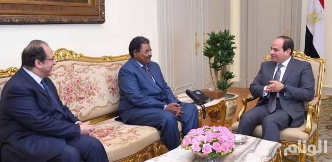 تفاصيل لقاء «السيسي» برئيس جهاز المخابرات السودانية