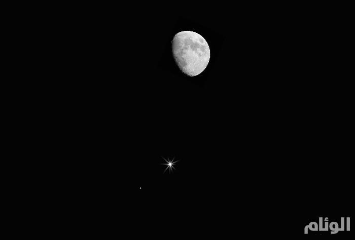 فلكية جدة: القمر الأحدب يقترن بالمشتري في سماء السعودية.. الليلة
