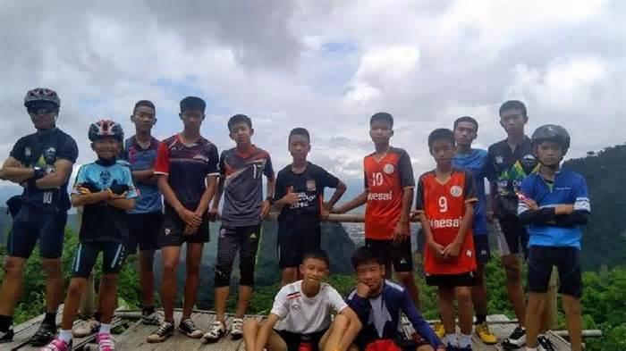 """إنقاذ 11 من """"أطفال الكهف"""" في تايلاند"""