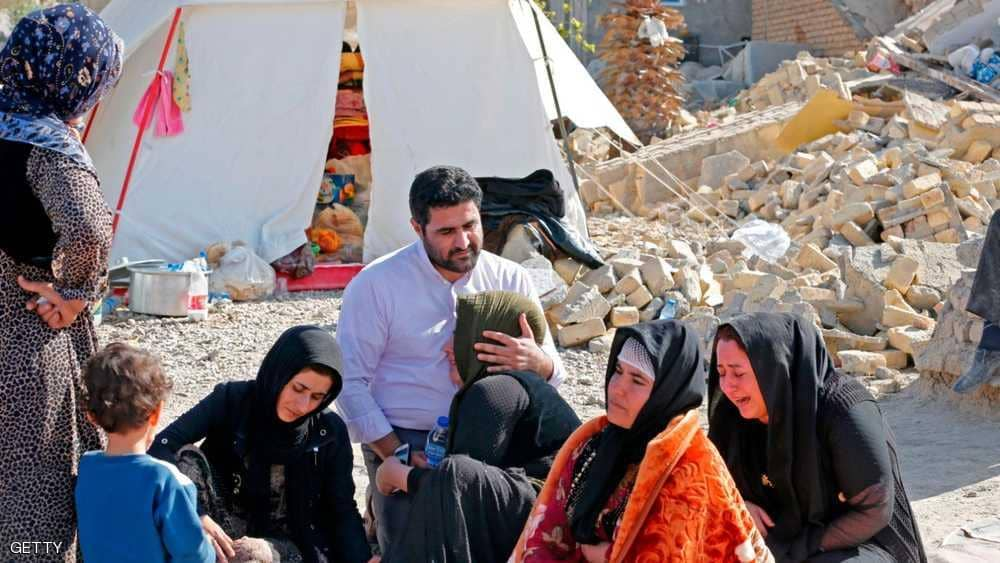 إيران.. ارتفاع عدد مصابي الزلزال إلى نحو 300 شخص