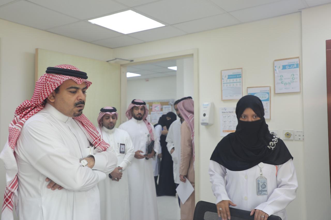 المدير التنفيذي لمجمع الملك عبدالله الطبي يدشن عيادة الإستشارات الدوائية