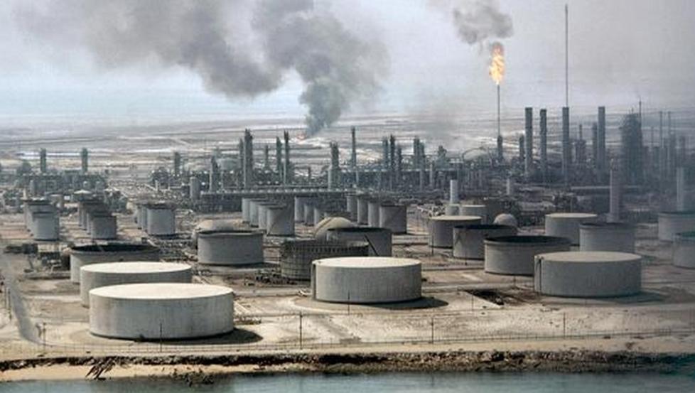 مصفاة نفطية سعودية تصدر أول شحنة من البنزين إلى أمريكا