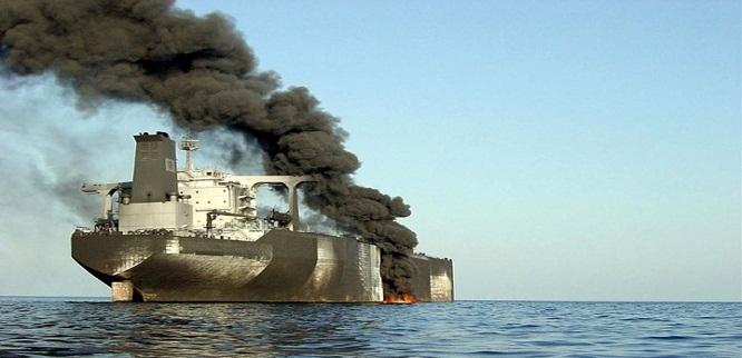 الكويت تدرس وقف مرور ناقلات النفط عبر باب المندب