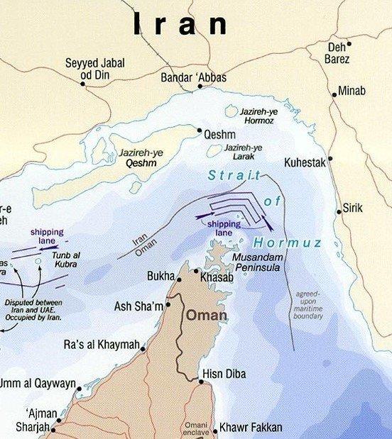 خبير عالمي : إيران لا تستطيع غلق هرمز إلا باحتلال المياه العمانية وهذا يعني حربا شاملة
