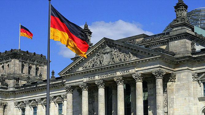 ألمانيا تفضح الإعلام القطري .. ما ادعوه على لسان وزيرة الدفاع لم تقله