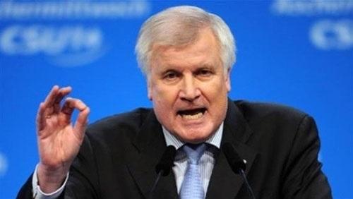 استقالة وزير الداخلية الألماني