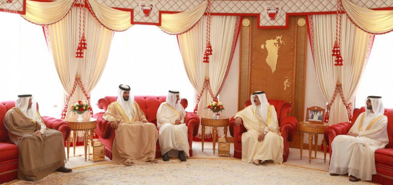 ملك البحرين يشيد بموقف السعودية والإمارات والكويت لتعزيز استقرار الأوضاع المالية لبلاده