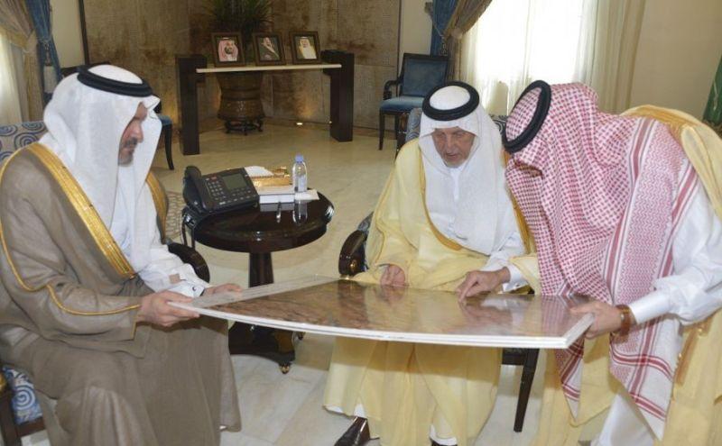 الأمير خالد الفيصل يوافق على تخصيص أرضٍ لنادي الفروسية في الطائف الجديد
