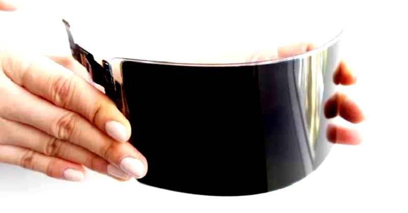 سامسونغ تطور شاشة مرنة وغير قابلة للكسر