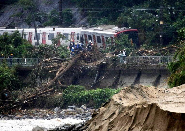 شاهد: مصرع وفقدان «46» شخصاًفي أمطار تاريخية باليابان