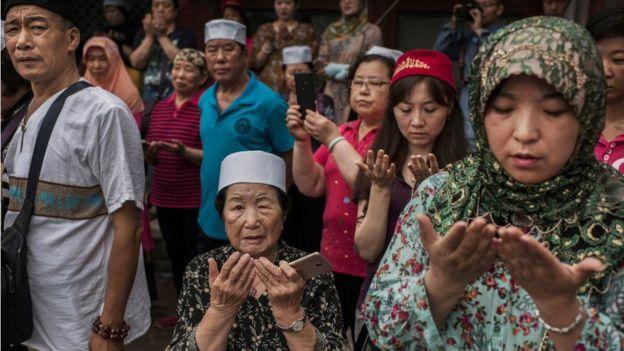 تعرف على مسلمي خوي الصينيين أبناء مكة الصغرى المهددين بفقدان هويتهم