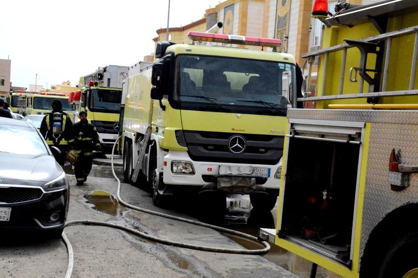 حريق بجدة يصيب خمس نساء ورجل
