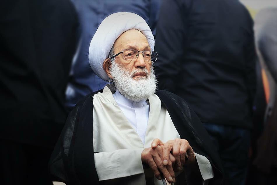 ملك البحرين يأمر بالسماح لـ«عيسى قاسم» بالعلاج في الخارج