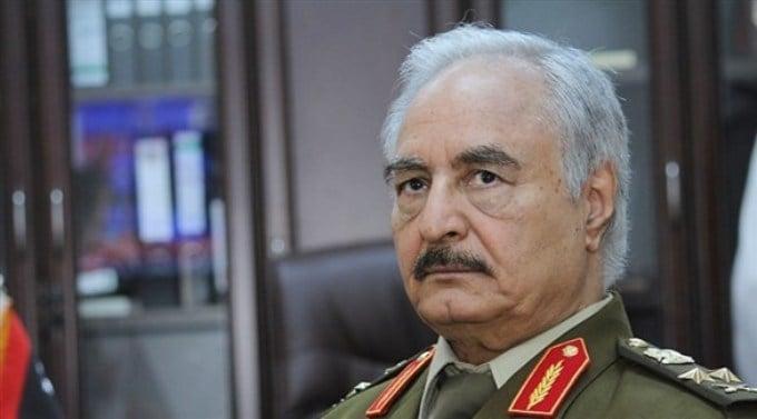 خليفة حفتر: أنا قادر على نقل الحرب إلى الجزائر