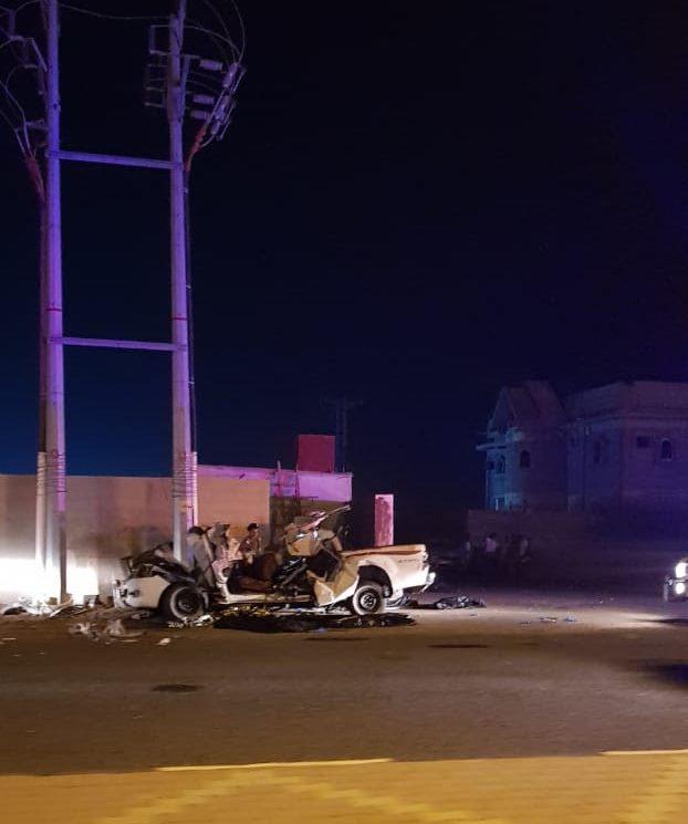 عمود كهرباء يصرع ويصيب «8» أشخاص في جازان