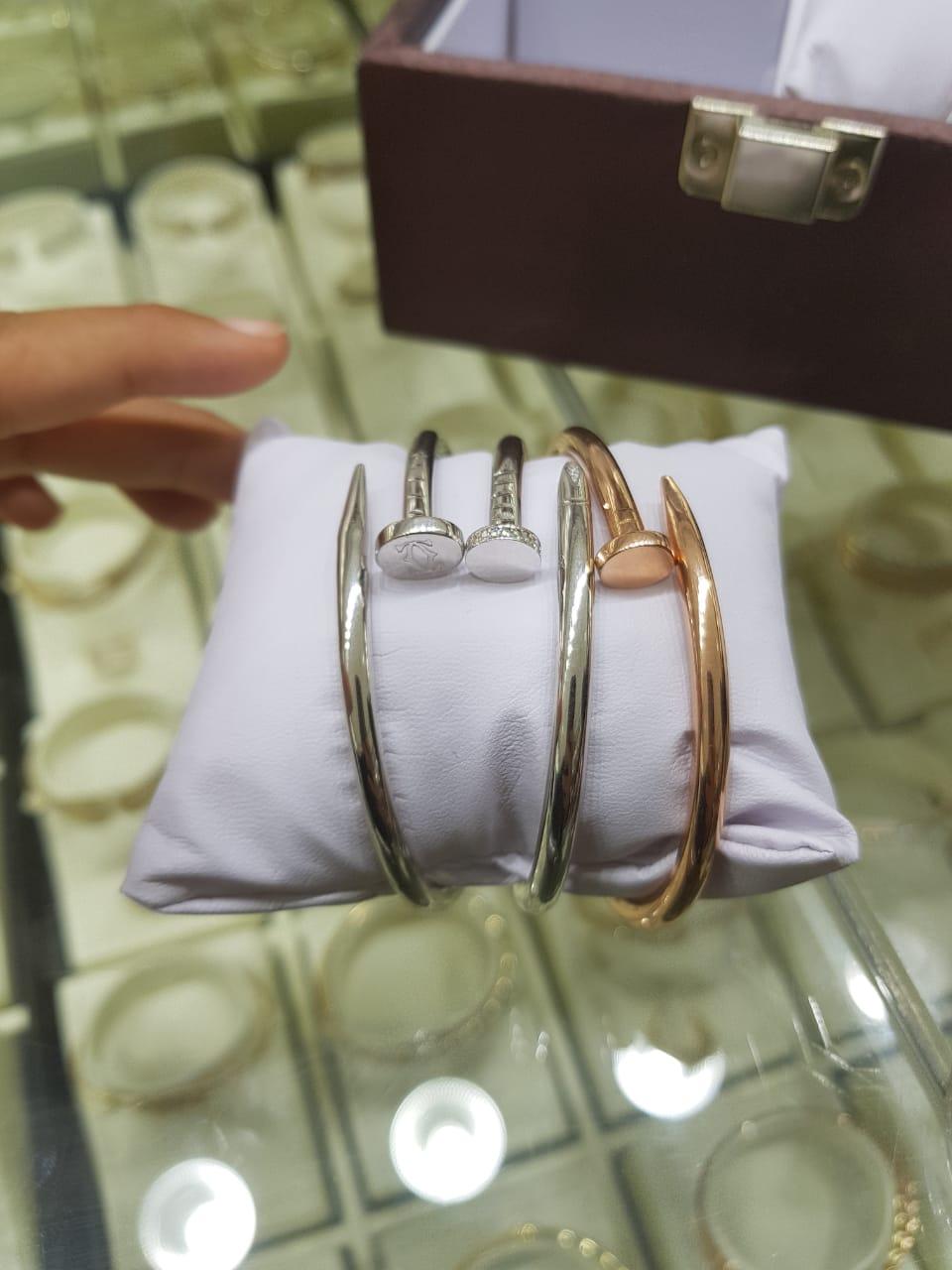 بالصور: مجوهرات بالرياض مقلدة لماركة 4d14d2a9-aa83-4ef2-b