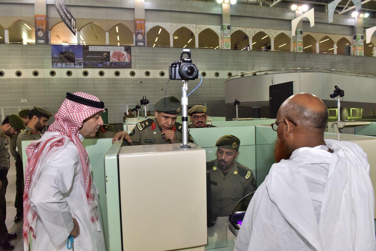 اللواء اليحيى يتفقد العمل بصالات ضيوف الرحمن بجدة