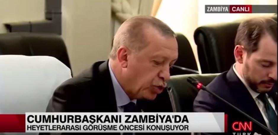 """شاهد.. وزير المالية التركي """"نائما"""" أثناء كلمة """"أردوغان"""" بزامبيا"""