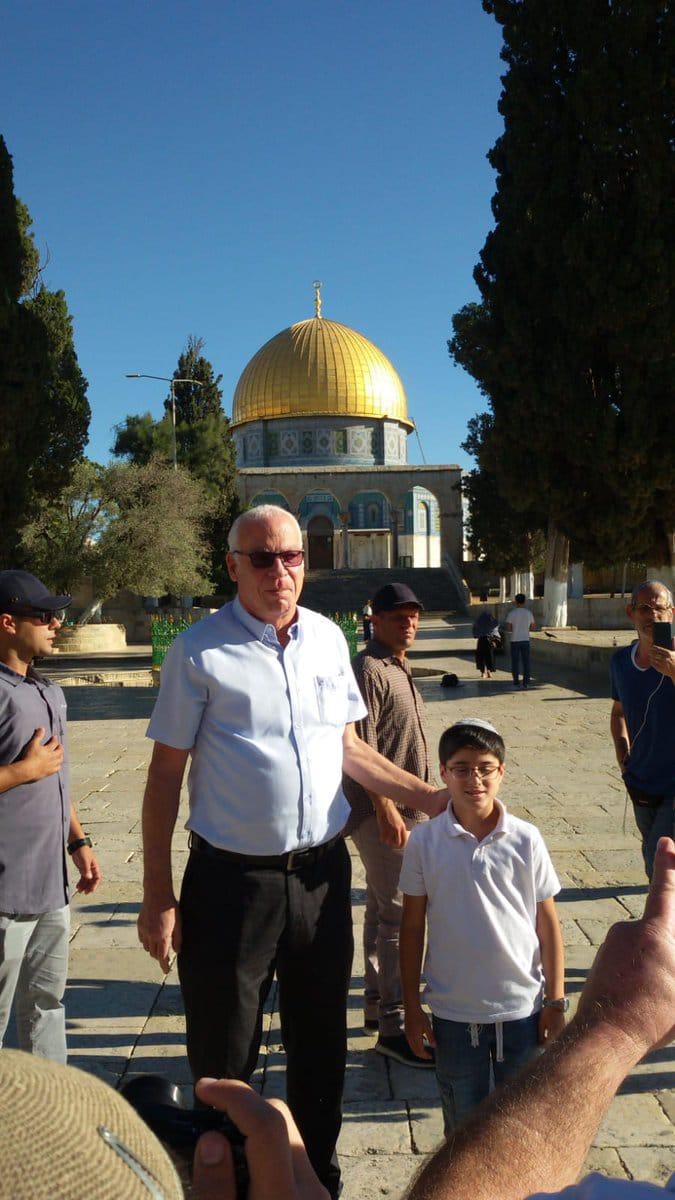 وزير الزراعة الإسرائيلي يقتحم المسجد الأقصى