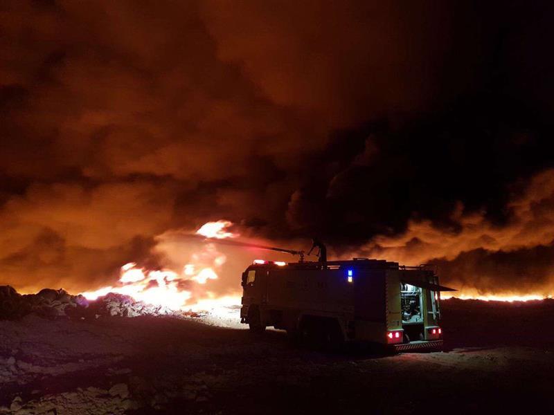 شاهد: السيطرة على حريق ضخم في مردم نفايات الدمام